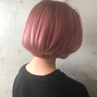 ショートヘア 切りっぱなしボブ ハイトーンボブ ショート ヘアスタイルや髪型の写真・画像