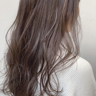 デート ヘアアレンジ グレージュ ミルクグレージュ ヘアスタイルや髪型の写真・画像