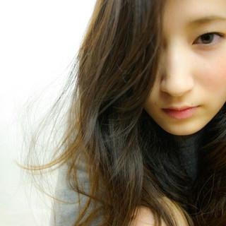 ゆるふわ 暗髪 セミロング 冬 ヘアスタイルや髪型の写真・画像