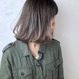 バレイヤージュ ショート 色気 スポーツ ヘアスタイルや髪型の写真・画像
