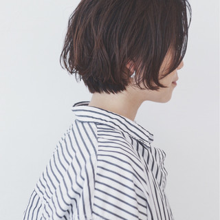 ハイライト ショート パーマ ナチュラル ヘアスタイルや髪型の写真・画像