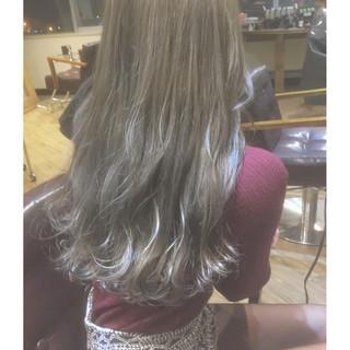 グレージュ 外国人風カラー ニュアンス ロング ヘアスタイルや髪型の写真・画像