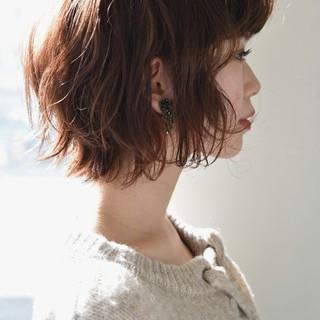 小顔 色気 パーマ 外国人風 ヘアスタイルや髪型の写真・画像