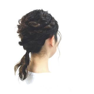 ローポニーテール ロープ編み ミディアム 大人かわいい ヘアスタイルや髪型の写真・画像 ヘアスタイルや髪型の写真・画像