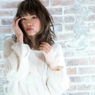ゆるふわ 大人かわいい 外国人風 フェミニン ヘアスタイルや髪型の写真・画像 ヘアスタイルや髪型の写真・画像
