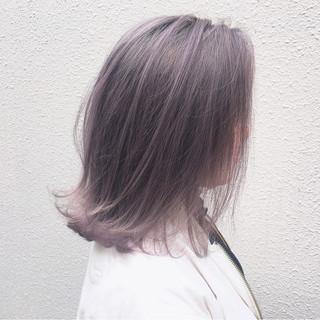 グレージュ 外国人風カラー ミディアム ストリート ヘアスタイルや髪型の写真・画像