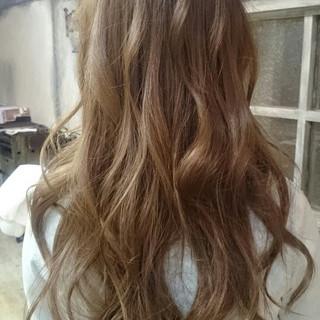 外国人風 ガーリー ロング ハイライト ヘアスタイルや髪型の写真・画像