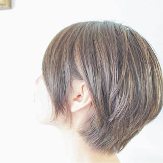グレージュ ハイライト 外国人風 マッシュ ヘアスタイルや髪型の写真・画像