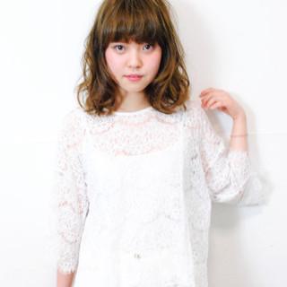 グラデーションカラー 大人かわいい 前髪あり 外国人風 ヘアスタイルや髪型の写真・画像
