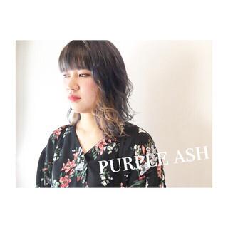 アッシュ ダブルカラー ベージュ ストリート ヘアスタイルや髪型の写真・画像