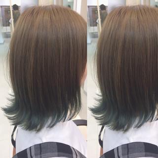 ブリーチ ミディアム 外ハネ グラデーションカラー ヘアスタイルや髪型の写真・画像 ヘアスタイルや髪型の写真・画像