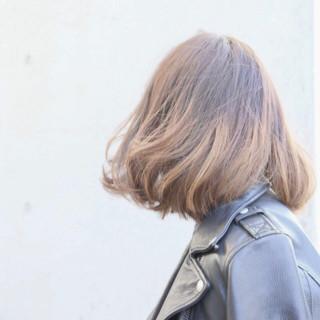 外国人風カラー 色気 グラデーションカラー ナチュラル ヘアスタイルや髪型の写真・画像