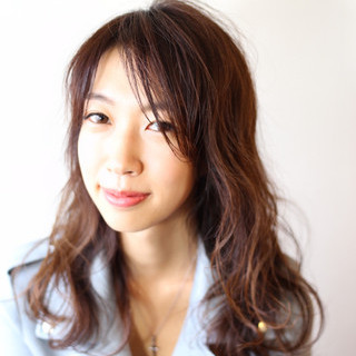 ナチュラル シースルーバング 髪質改善 アッシュ ヘアスタイルや髪型の写真・画像