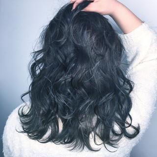 グラデーションカラー セミロング インナーカラー アッシュ ヘアスタイルや髪型の写真・画像
