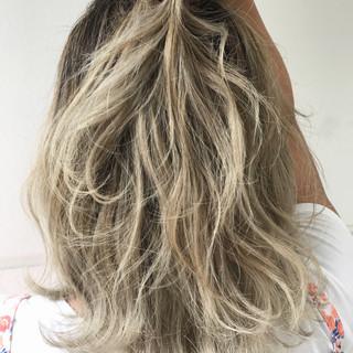 ミディアム アウトドア ストリート 簡単ヘアアレンジ ヘアスタイルや髪型の写真・画像