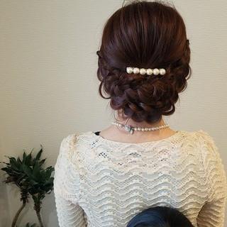 フェミニン 編み込み ミディアム ヘアアレンジ ヘアスタイルや髪型の写真・画像