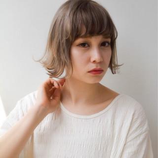 外国人風 リラックス 色気 ハイライト ヘアスタイルや髪型の写真・画像