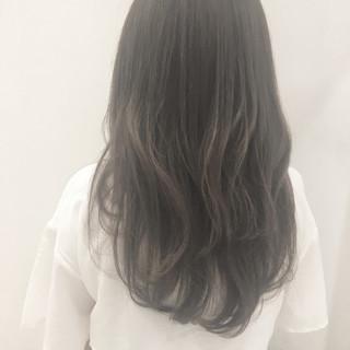 フェミニン アンニュイ グレージュ ロング ヘアスタイルや髪型の写真・画像