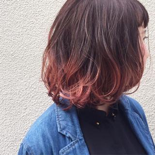 ダブルカラー ピンクアッシュ ピンク ストリート ヘアスタイルや髪型の写真・画像