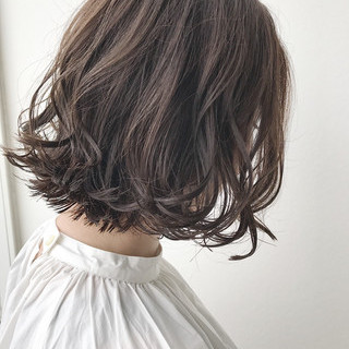 ボブ 外ハネ 外国人風カラー 秋 ヘアスタイルや髪型の写真・画像