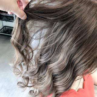 透明感カラー イルミナカラー ロング グレージュ ヘアスタイルや髪型の写真・画像