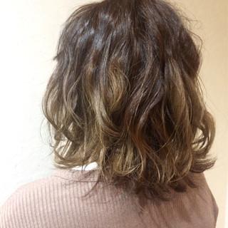 ボブ ストリート 色気 アッシュ ヘアスタイルや髪型の写真・画像 ヘアスタイルや髪型の写真・画像