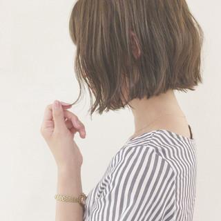 ウェーブ 切りっぱなし アンニュイ 外国人風 ヘアスタイルや髪型の写真・画像