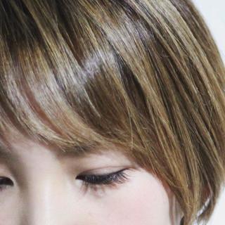ナチュラル コントラストハイライト ショート ハイライト ヘアスタイルや髪型の写真・画像