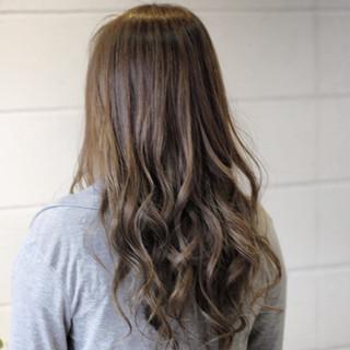 外国人風カラー ロング 上品 エレガント ヘアスタイルや髪型の写真・画像