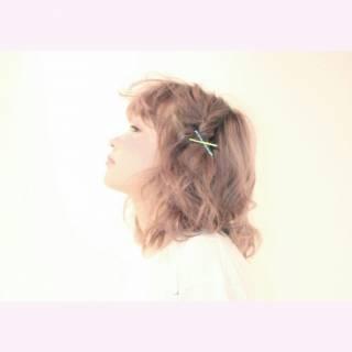 ガーリー ヘアアレンジ ナチュラル ゆるふわ ヘアスタイルや髪型の写真・画像