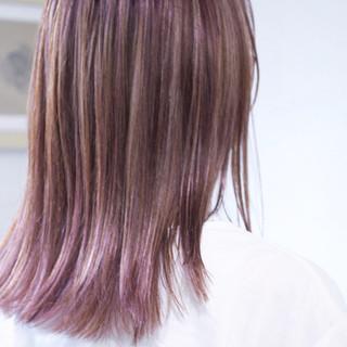 パープル ロング 大人ハイライト パープルアッシュ ヘアスタイルや髪型の写真・画像