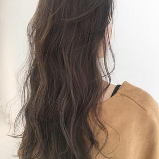 ガーリー くせ毛風 デート パーマ ヘアスタイルや髪型の写真・画像