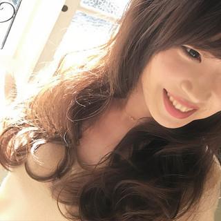 巻き髪 アッシュ セミロング 大人かわいい ヘアスタイルや髪型の写真・画像