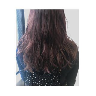 セミロング ピンク ストリート ラベンダーピンク ヘアスタイルや髪型の写真・画像