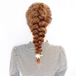 編み込み アウトドア ヘアアレンジ ロング ヘアスタイルや髪型の写真・画像