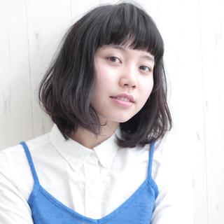 ショートバング ナチュラル パーマ 黒髪 ヘアスタイルや髪型の写真・画像