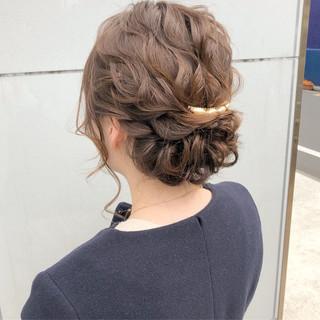 ナチュラル 結婚式 ヘアアレンジ 簡単ヘアアレンジ ヘアスタイルや髪型の写真・画像 ヘアスタイルや髪型の写真・画像