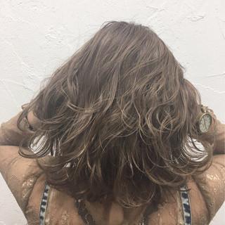 フェミニン ボブ 色気 ミディアム ヘアスタイルや髪型の写真・画像