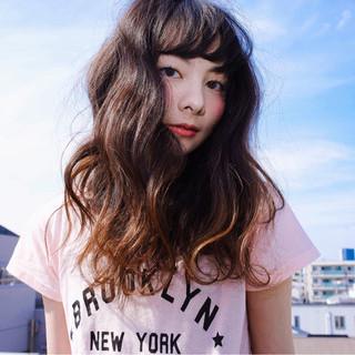 ゆるふわ 外国人風 ロング ストリート ヘアスタイルや髪型の写真・画像