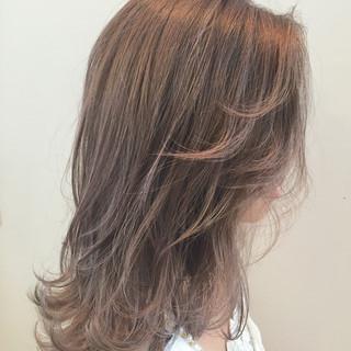 アッシュ グラデーションカラー ブルージュ セミロング ヘアスタイルや髪型の写真・画像