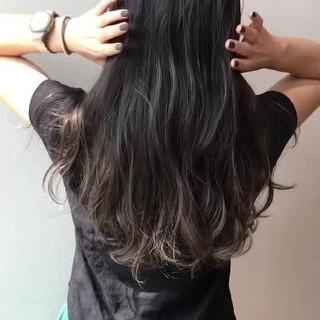 ナチュラルグラデーション ロング アウトドア 外国人風カラー ヘアスタイルや髪型の写真・画像