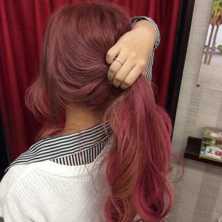 ハイトーン ダブルブリーチ ベリーピンク ピンクパープル ヘアスタイルや髪型の写真・画像