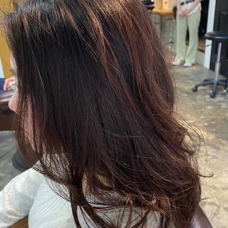 フェミニン レッド チェリーレッド セミロング ヘアスタイルや髪型の写真・画像