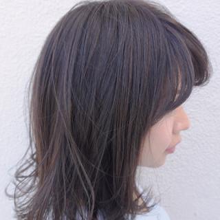 ミディアム ラベンダーアッシュ 秋 透明感 ヘアスタイルや髪型の写真・画像