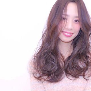 外国人風 セミロング フェミニン 大人かわいい ヘアスタイルや髪型の写真・画像