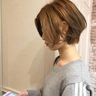 ボブ スポーツ オフィス フェミニン ヘアスタイルや髪型の写真・画像