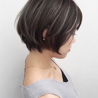 ハイライト グレージュ ストリート ショート ヘアスタイルや髪型の写真・画像 ヘアスタイルや髪型の写真・画像