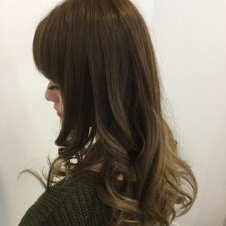 ロング グラデーションカラー 渋谷系 外国人風 ヘアスタイルや髪型の写真・画像 ヘアスタイルや髪型の写真・画像