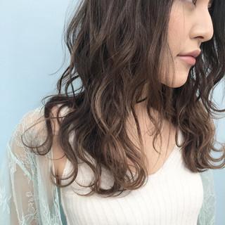 ゆるふわ グラデーションカラー ロング 外国人風 ヘアスタイルや髪型の写真・画像