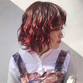 外国人風 レッドカラー ボブ レッド ヘアスタイルや髪型の写真・画像